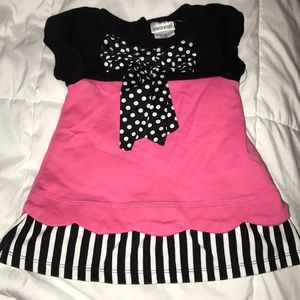 Short sleeve pink, black and white dress
